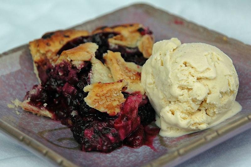 Blackberry-pie-070408